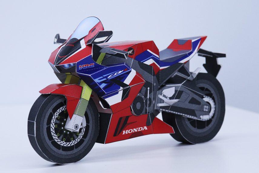 Regala a tu hijo por Navidad una Honda CBR 1000 RR-R de papel