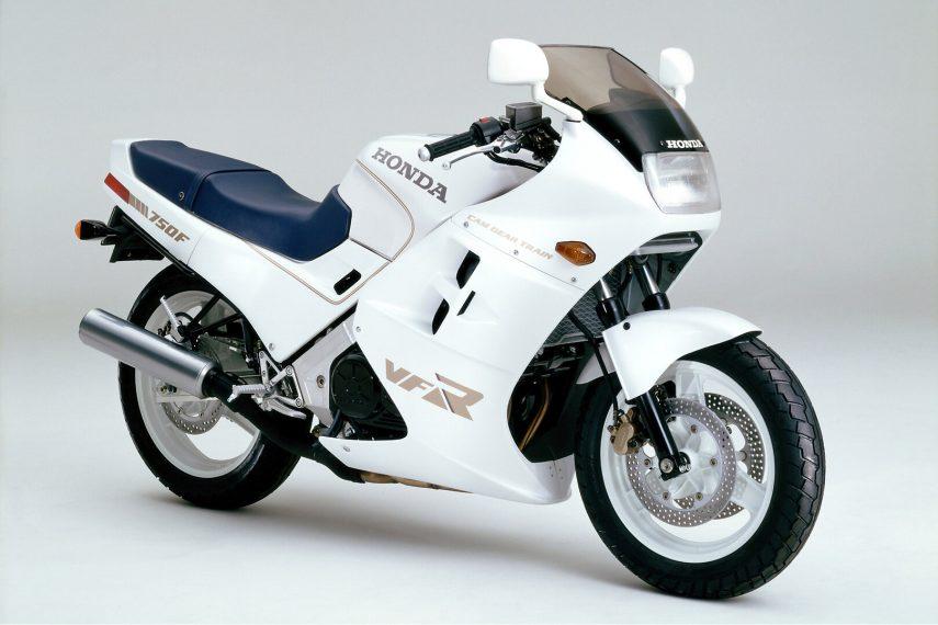 Moto del día: Honda VFR 750 F (RC24)