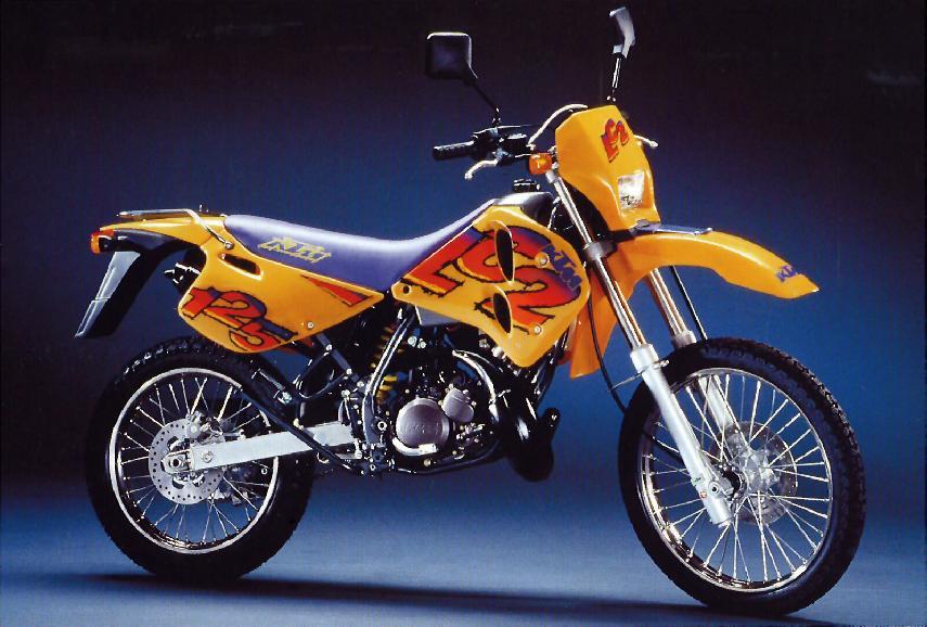 Moto del día: KTM LC2 125
