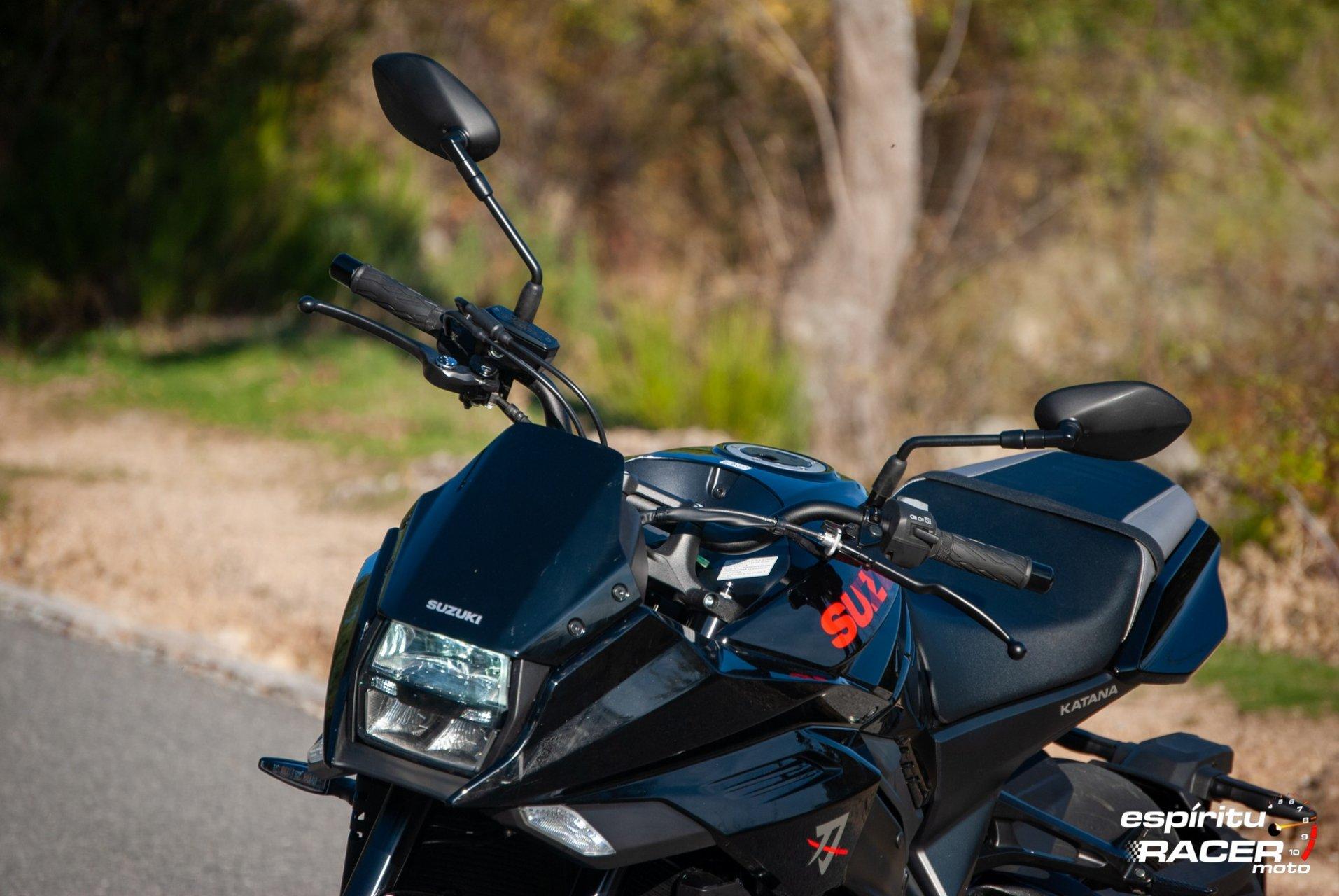 Suzuki GSX S1000 Katana 025