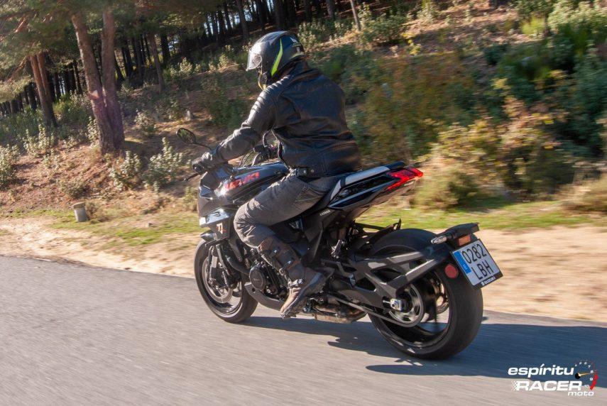 Suzuki GSX S1000 Katana 045