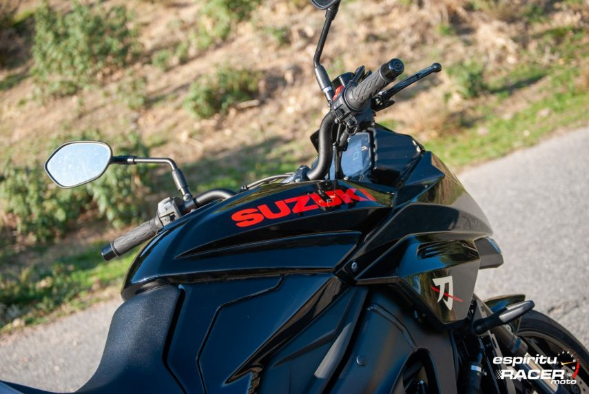 Suzuki GSX S1000 Katana 077
