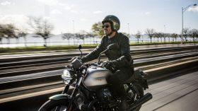 Moto Guzzi V7 100 aniversario 23