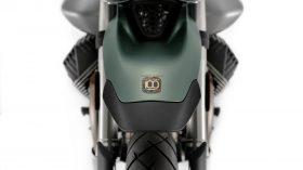 Moto Guzzi V85 TT 100 aniversario 04