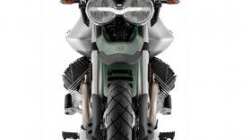 Moto Guzzi V85 TT 100 aniversario 06