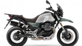 Moto Guzzi V85 TT 100 aniversario 07