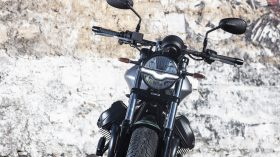 Moto Guzzi V9 100 aniversario 12