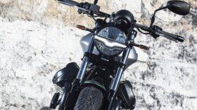 Moto Guzzi V9 100 aniversario 14