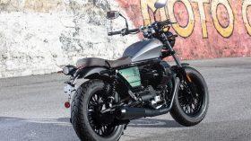 Moto Guzzi V9 100 aniversario 22