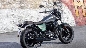 Moto Guzzi V9 100 aniversario 23