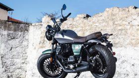 Moto Guzzi V9 100 aniversario 27