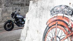 Moto Guzzi V9 100 aniversario 28
