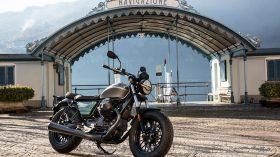 Moto Guzzi V9 100 aniversario 34