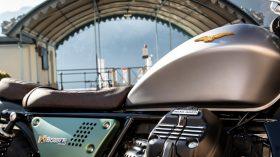 Moto Guzzi V9 100 aniversario 37