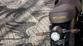 Moto Guzzi V9 100 aniversario 38