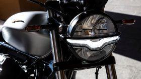Moto Guzzi V9 100 aniversario 42