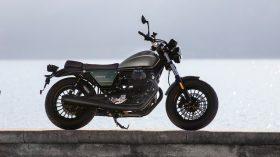 Moto Guzzi V9 100 aniversario 44