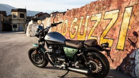 Moto Guzzi V9 100 aniversario 46