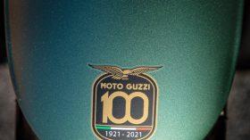Moto Guzzi V9 100 aniversario 47
