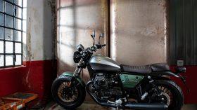 Moto Guzzi V9 100 aniversario 52
