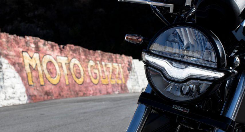 Moto Guzzi V9 100 aniversario 54