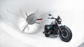 Moto Guzzi V9 100 aniversario 56