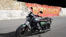 Moto Guzzi V9 100 aniversario 57