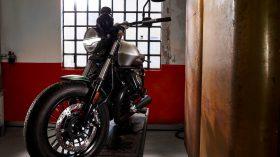 Moto Guzzi V9 100 aniversario 60