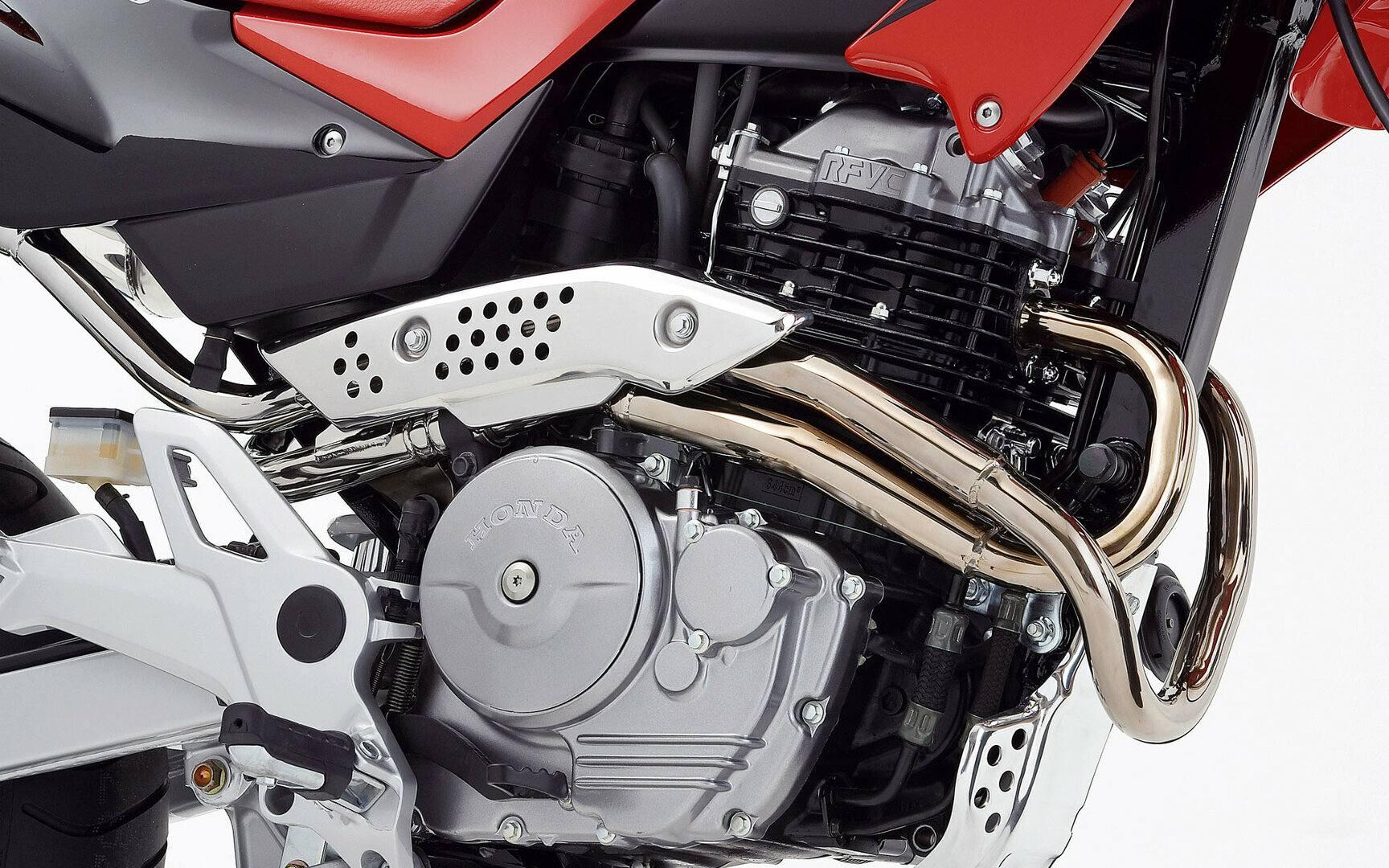 Honda FMX 650 6