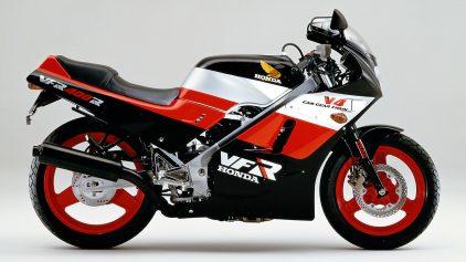 Honda VFR 400 R NC21 1