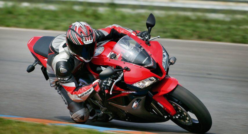 Honda CBR 600 RR 2007 01