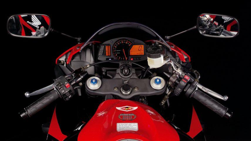Honda CBR 600 RR 2007 12