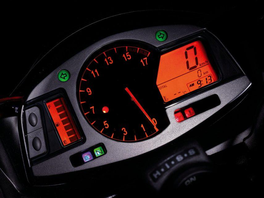 Honda CBR 600 RR 2007 13