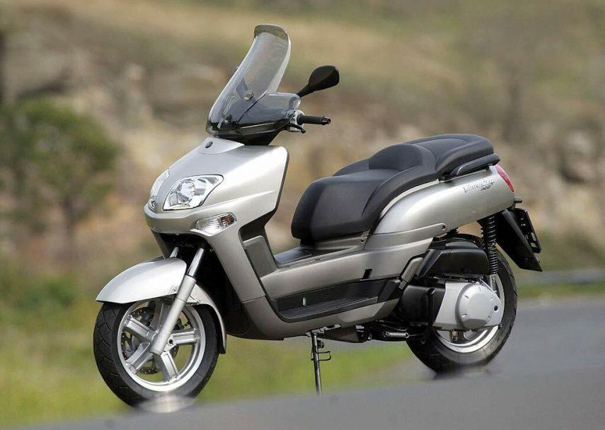 Yamaha Versity 300 2
