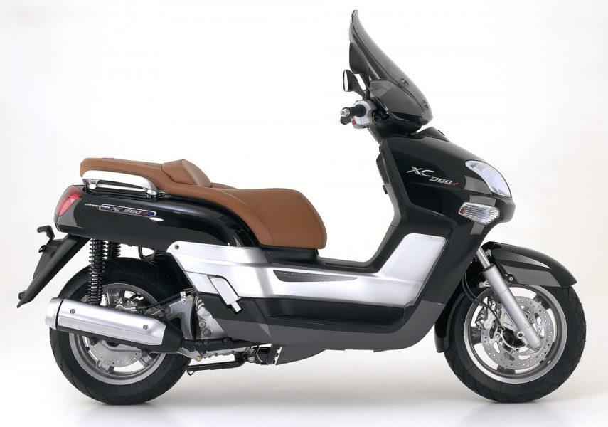 Yamaha Versity 300 4
