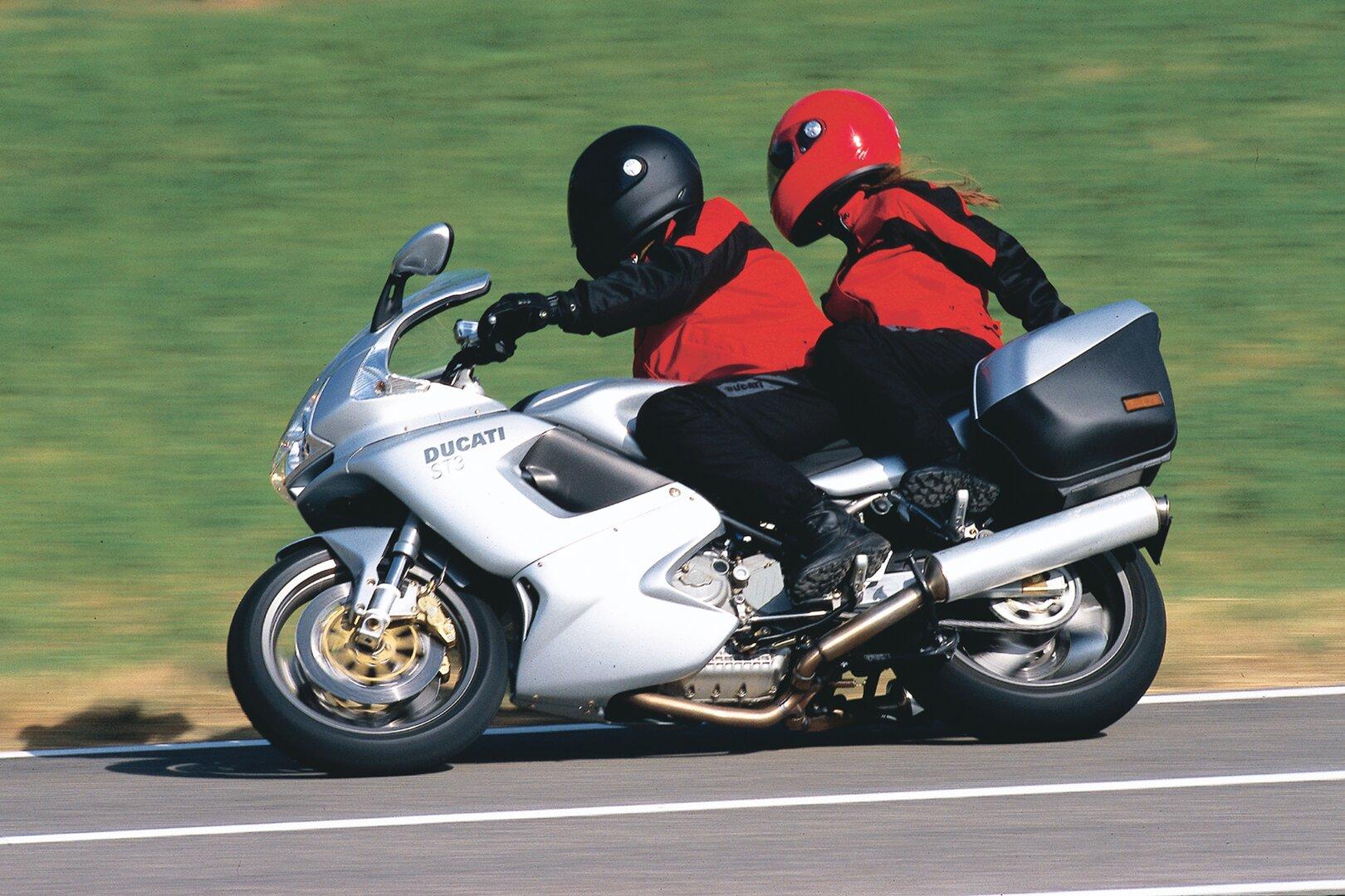 Moto del día: Ducati ST3