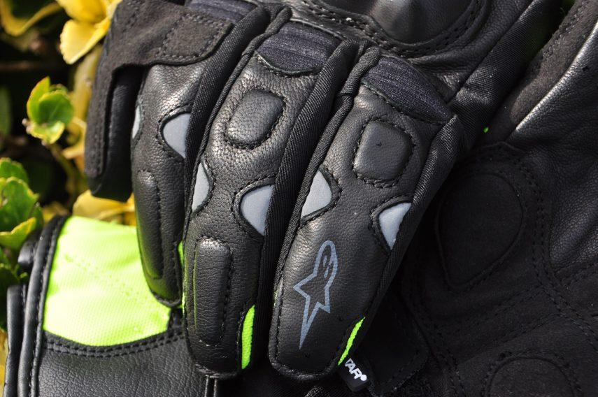 Homologacion guantes 01