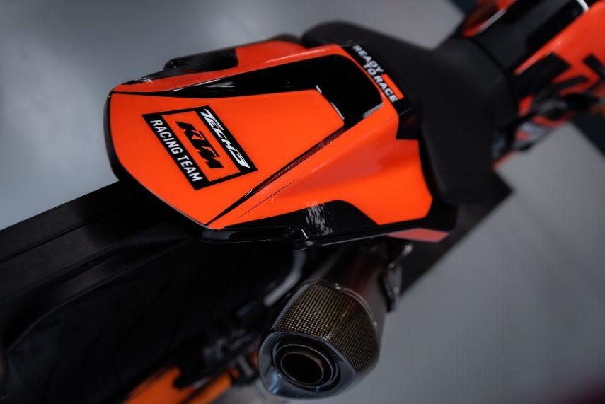 KTM 890 Duke Black Tech3 Limited Edition 02