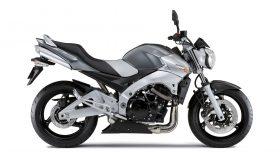 Suzuki GSR 600 2006 3