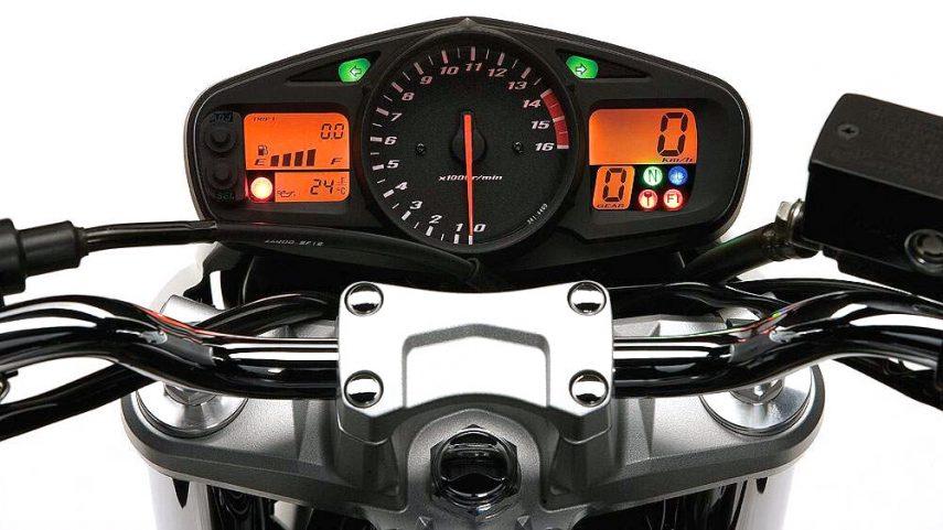 Suzuki GSR 600 2006 5