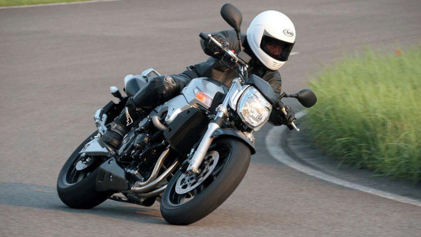 Moto del día: Suzuki GSR 600
