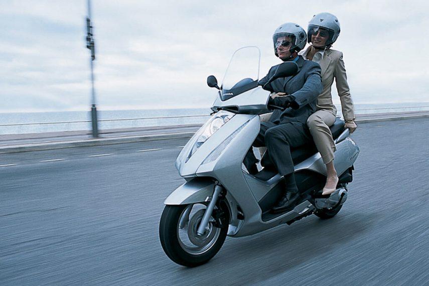 Moto del día: Honda Pantheon 125 PGM-Fi