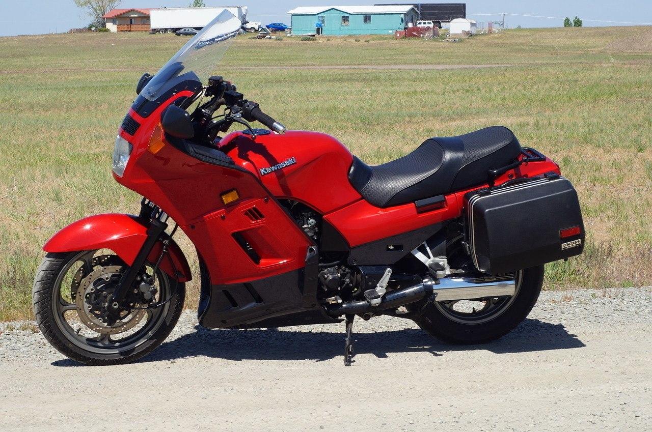 Moto del día: Kawasaki GTR 1000