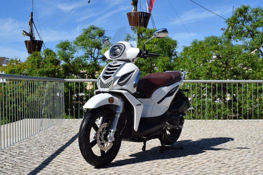MH entra en el segmento de scooter de rueda alta con la Fasty 125