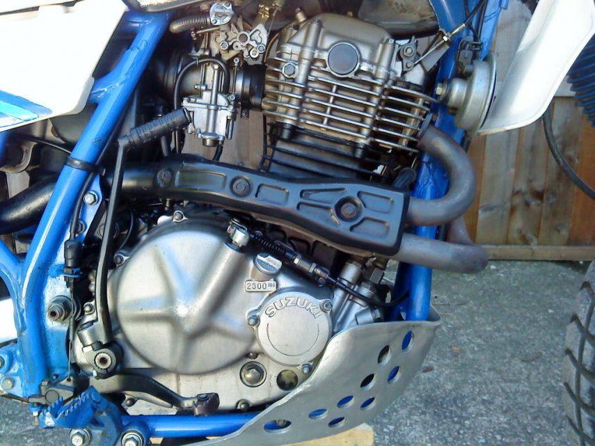 Suzuki DR 600 S 6