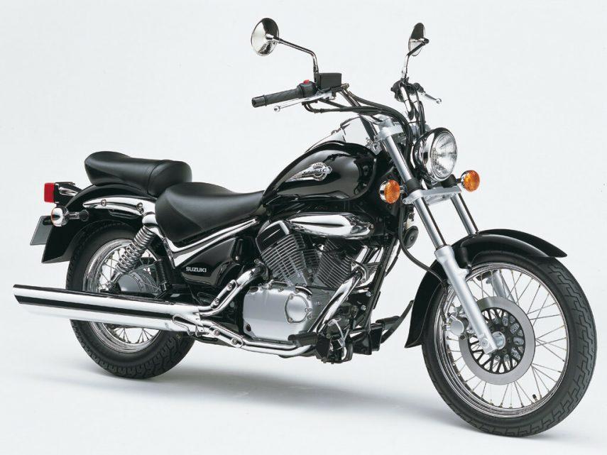 Moto del día: Suzuki VL 125 LC Intruder