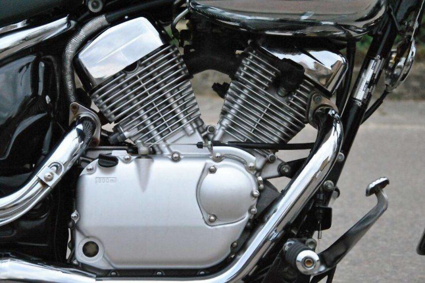 Suzuki VL 125 LC Intruder 5