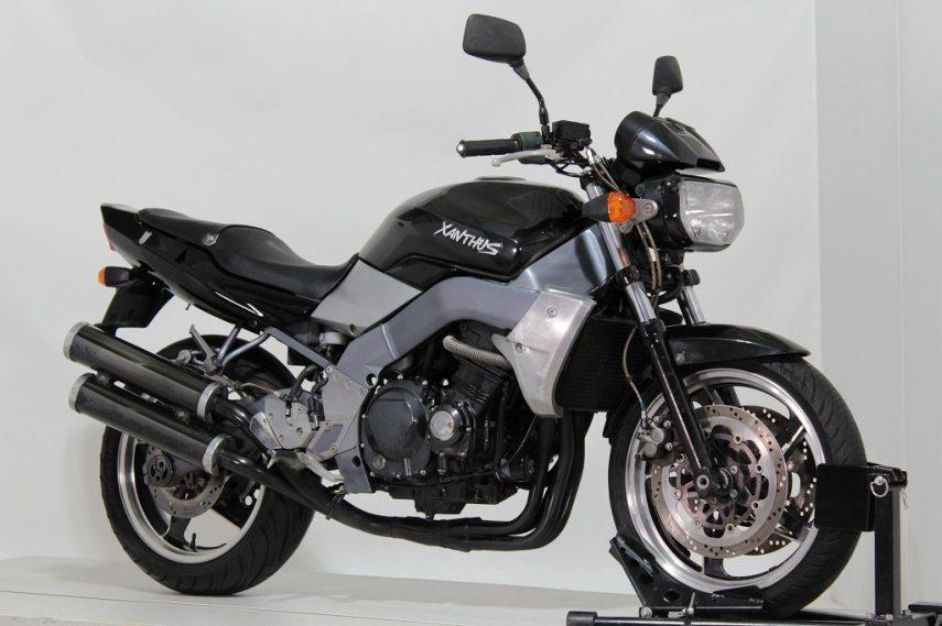 Moto del día: Kawasaki Xanthus 400 (ZR 400 D)