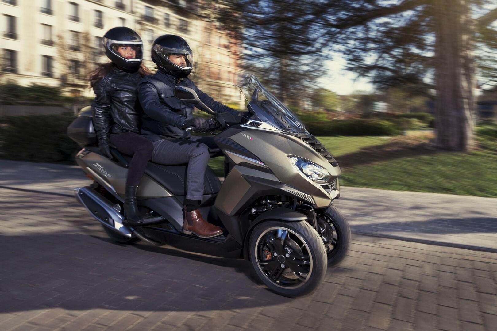 Peugeot ya tiene disponibles los nuevos Metropolis GT y SW