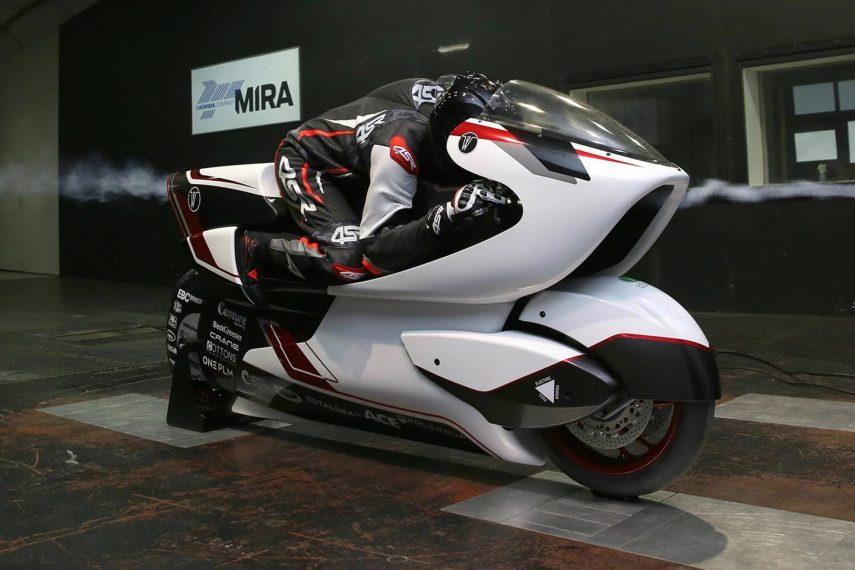 WMC250EV, la moto eléctrica de diseño radical que busca superar los 400 km/h